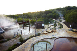 peninsula-hot-springs